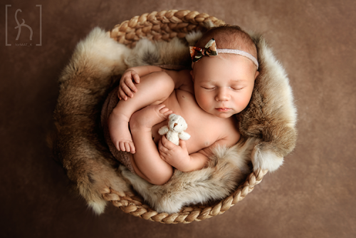 dziewczynka-w misie-fotografia noworodkowa-łódź-brzeziny-nowosolna