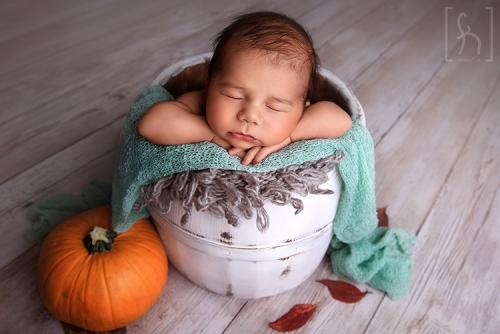 sesja-jesienna-dynia-noworodek-fotograf łódź