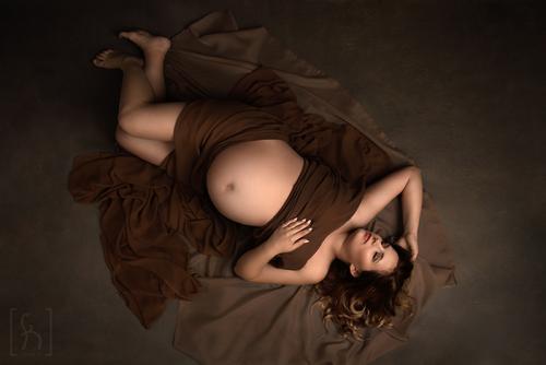 mama-w-ciąży-sesja-fotograficzna-Łódź