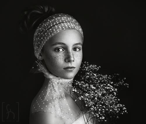 sesja-czarno-biała-bw-portret-dziecięcy- Łódź-formatka fotografia